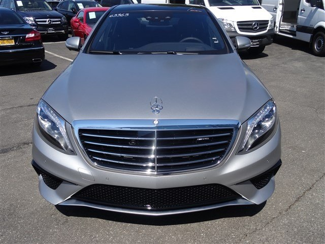 New 2017 mercedes benz s class s 63 sedan in st james for 2017 mercedes benz s550 lease